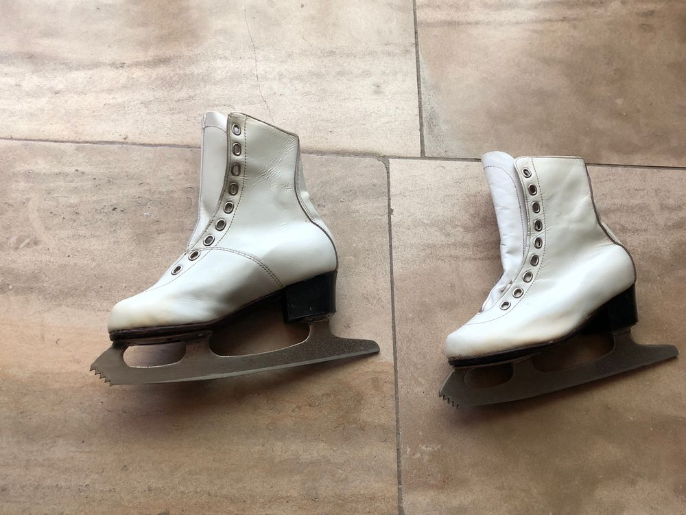 Patins Taille 31/32 tout cuir blanc. 0 Montpellier (34)