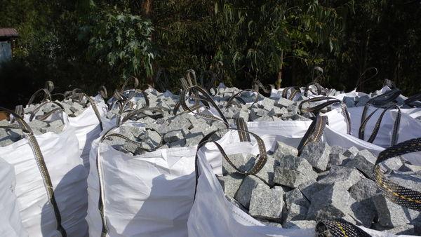 pavés granit Neufs livraison sur toute la region 15 Clermont-Ferrand (63)