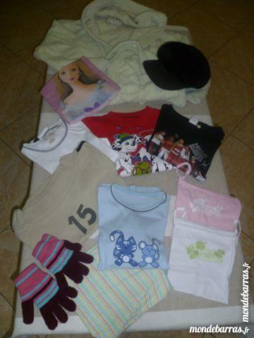 Lot 8 ans peignoir pyjama hauts casquette gant Vêtements enfants