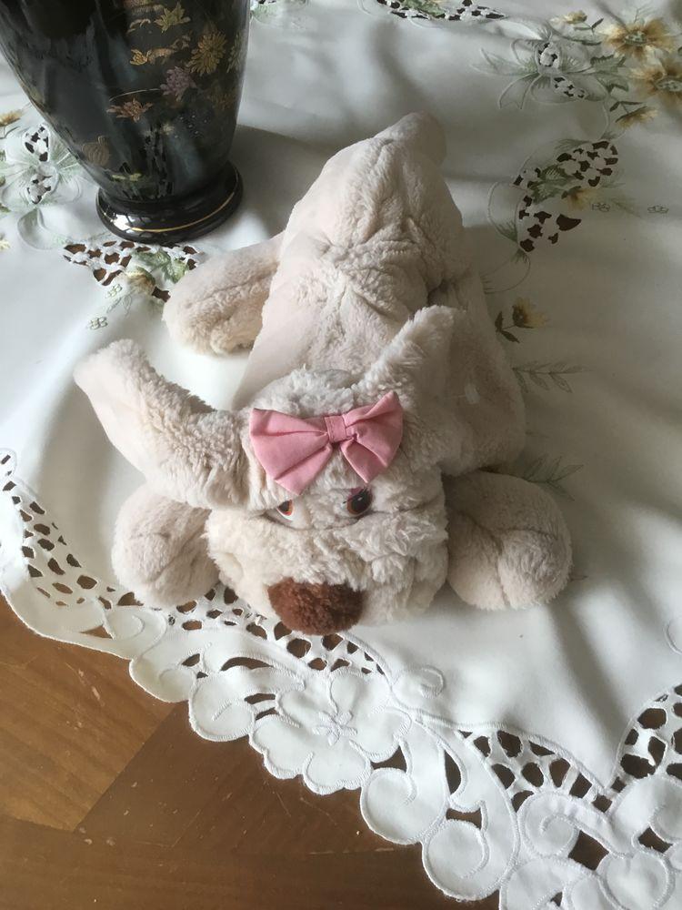 peluche chien couché  15 Poissy (78)