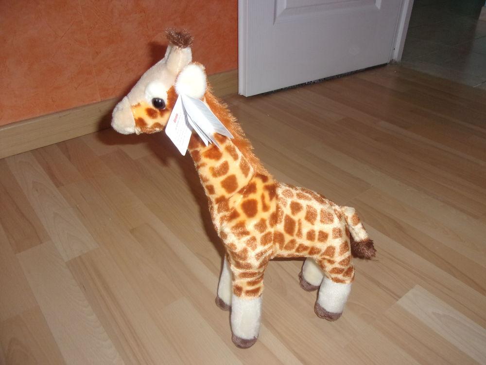 Peluche en forme de Girafe 43 cm (Neuve) 30 Ardoix (07)