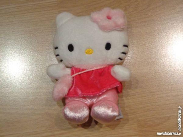 Peluche Hello Kitty 5 Longperrier (77)
