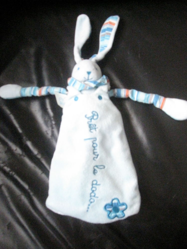 Peluche lapin bleu avec turbulette prêt pour le dodo 15 Saint-Jean-Pla-de-Corts (66)