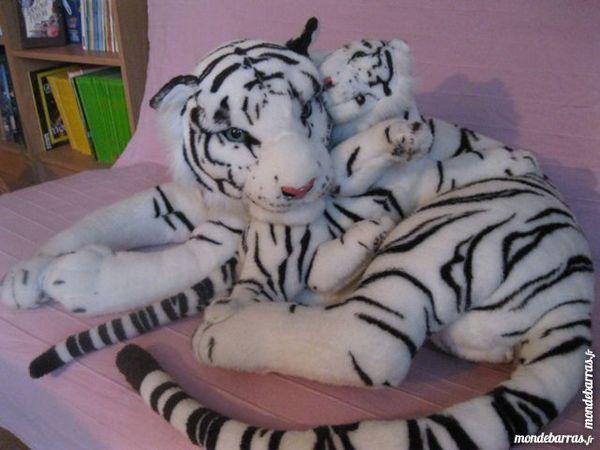 Peluche Tigresse, blanche et noir, avec son petit 70 Livry-Gargan (93)