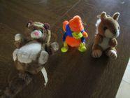 3 peluches diverses : écureuil - chat et canard 0 Mérignies (59)