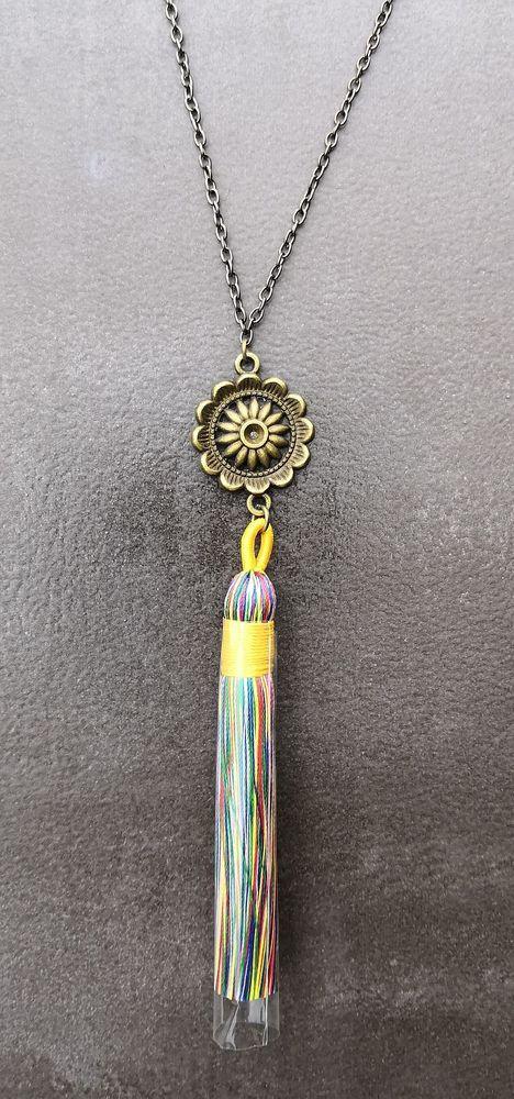 Pendentif Bohème pompon soie multicolore et médaillon soleil 5 La Seyne-sur-Mer (83)