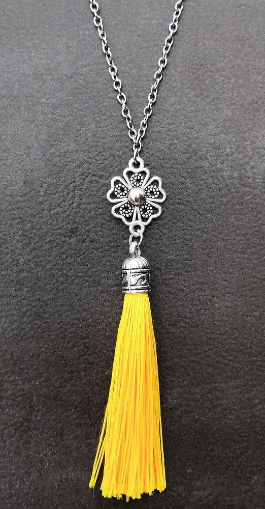 Pendentif Bohème pompon de soie et médaillon fleur et chaine 5 La Seyne-sur-Mer (83)