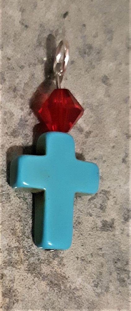 pendentif croix synthé avec un spinelle rouge profond 5 La Seyne-sur-Mer (83)