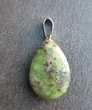 pendentif goutte rubis Zoïsite sur bélière acier Bijoux et montres