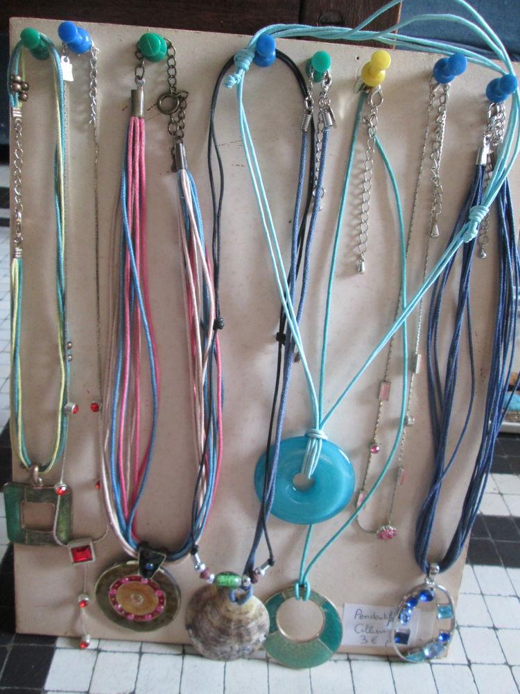 Pendentifs et colliers à 3 euros 3 Herblay (95)