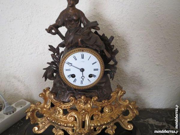 Pendule de cheminée 19ème Bronze et Régule 190 Montigny-le-Bretonneux (78)