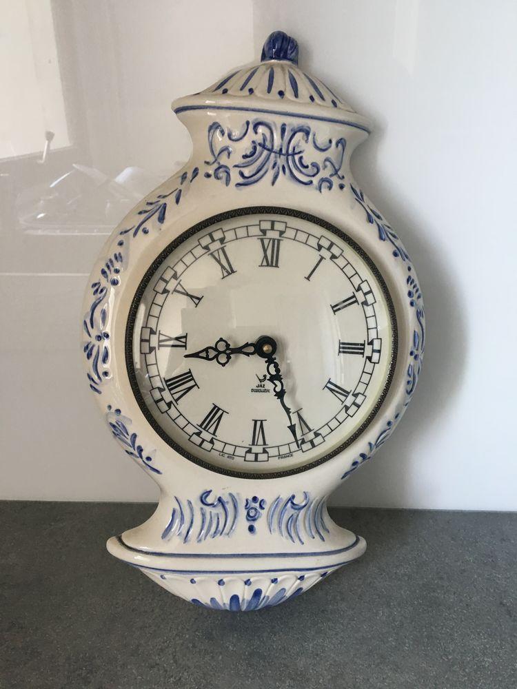 Pendule en faïence blanc/bleu 15 Le Coudray-Montceaux (91)