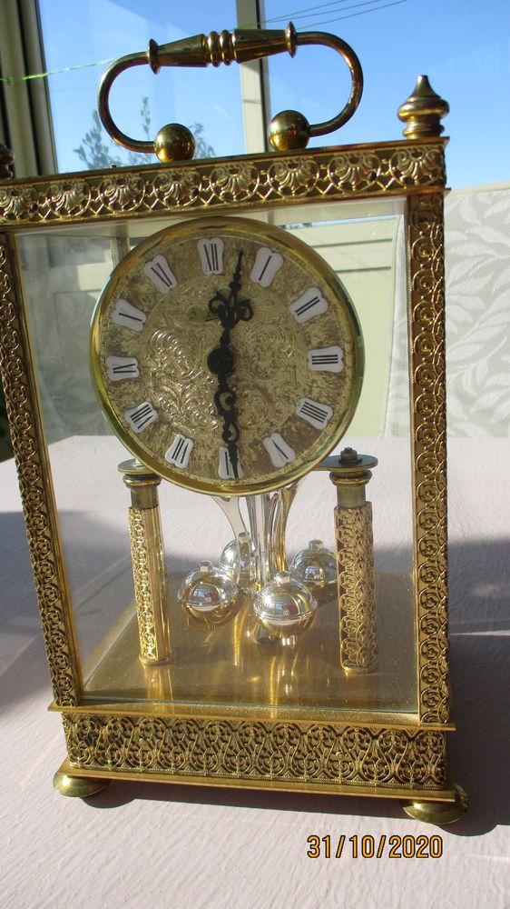 Pendule 400 jours SCHATZ  Royale  dorée.   190 Le Vernois (39)