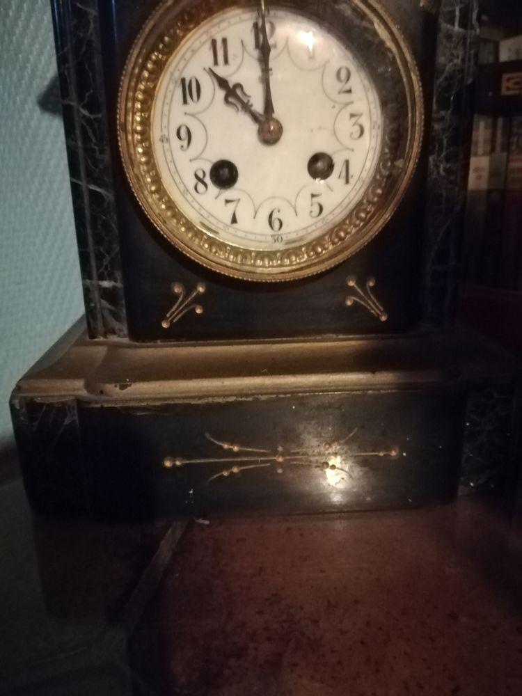 Pendule marbre très ancienne  300 Pantin (93)