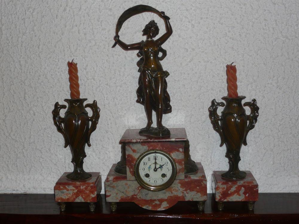 Pendulette et chandeliers 0 Louhans (71)