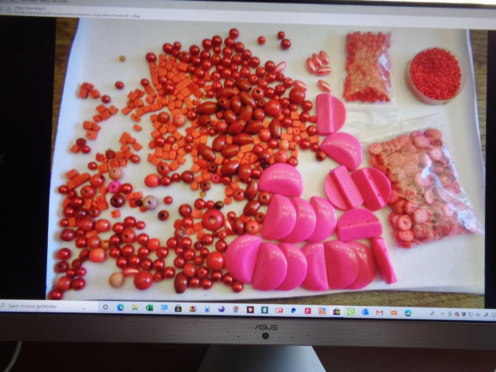 lot perle rouge dif tailles et modèle 11 Argenteuil (95)