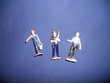 4 personnages ou figurines anciens en plastique Auxon (10)