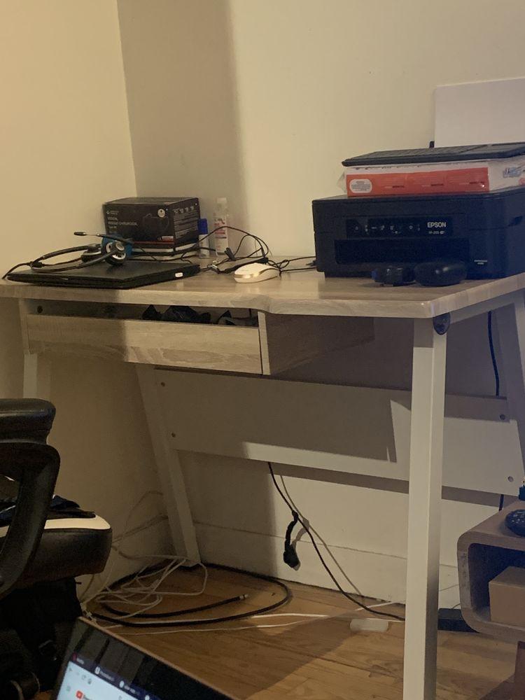 Petit bureau télétravail  50 Colombes (92)