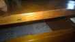 Petit bureau vintage, en bois, avec coffre Meubles