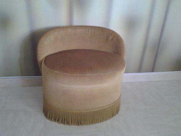 Achetez petit fauteuil occasion annonce vente marignane 13 wb146779367 - Fauteuil crapaud jaune ...