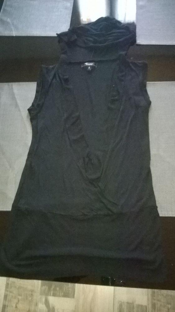 Petit haut noir sans manche Ouvert devant avec capuche Vêtements