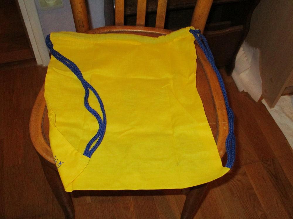Petit sac jaune avec cordelière sur le côté 0 Mérignies (59)