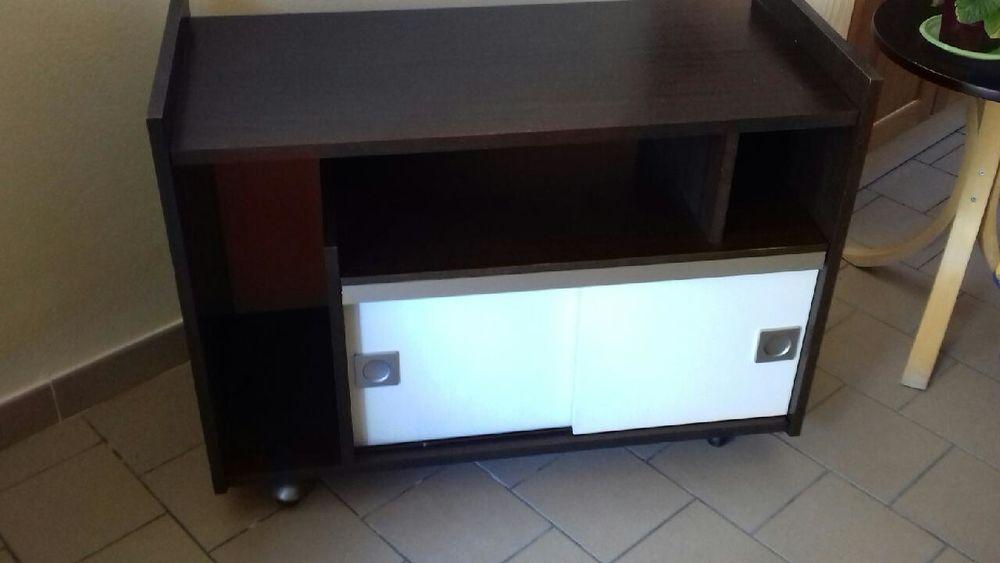 Petit meuble bas 25 euros deux portes coulissantes 25 Craponne (69)