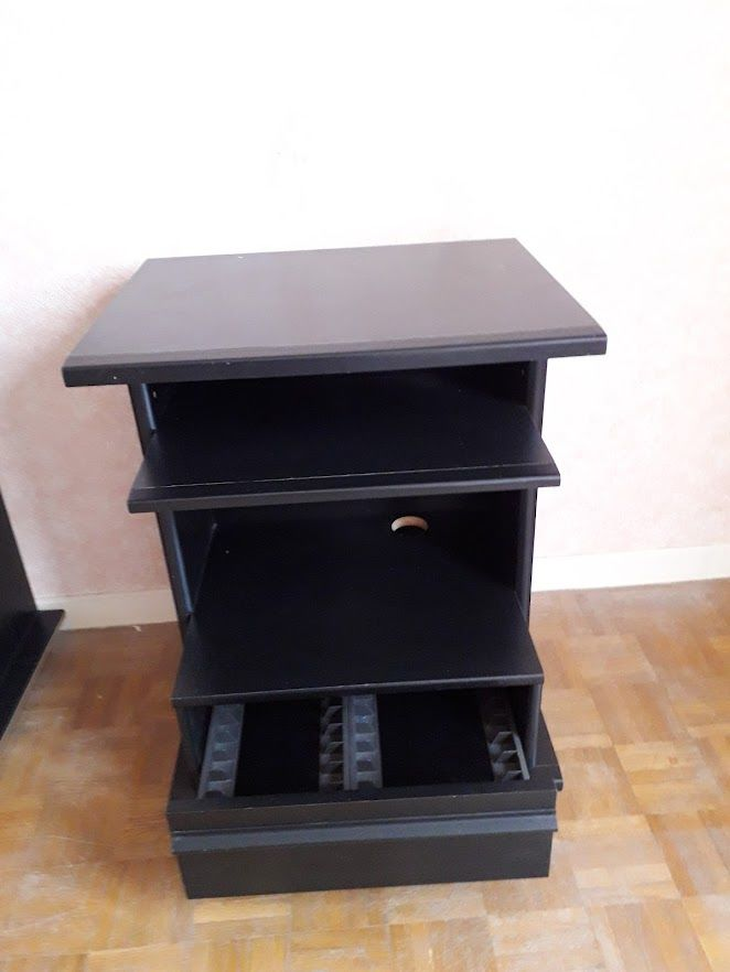 petit meuble noir pour télé ou chaine hihi Occasion Meubles