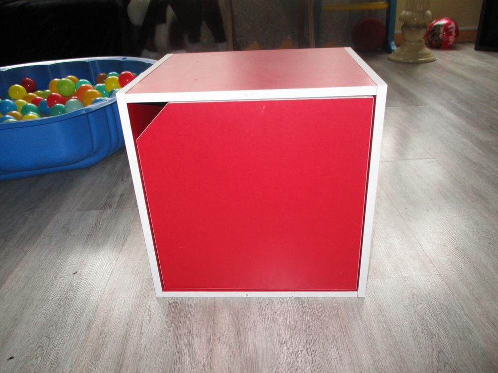 petit meuble rouge tres bonne état 0 Courcouronnes (91)