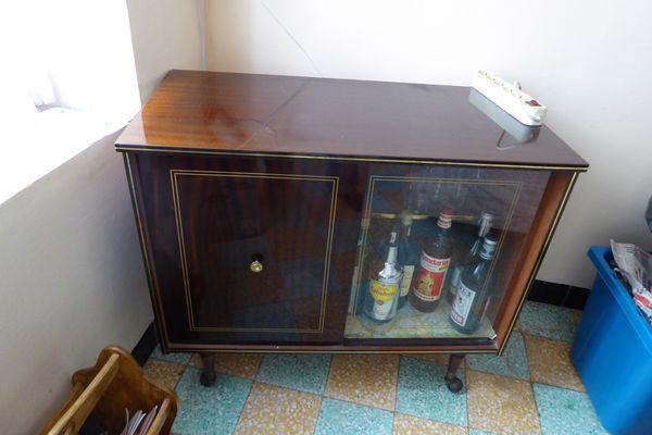 vitrines occasion b ziers 34 annonces achat et vente. Black Bedroom Furniture Sets. Home Design Ideas