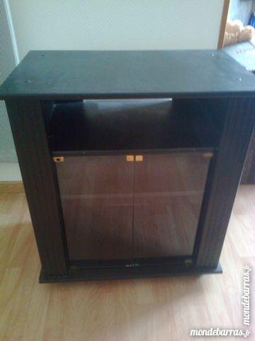 meubles occasion saintes 17 annonces achat et vente. Black Bedroom Furniture Sets. Home Design Ideas