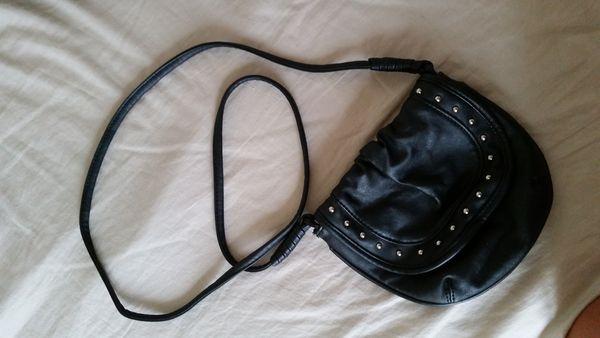 Petit sac noir à bandoulière 6 La Roche-sur-Yon (85)