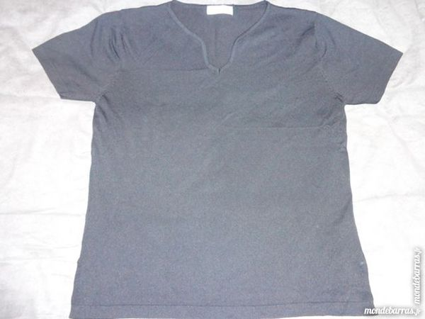 ? Petit pull noir, taille M/L (40/42)? 1 Saint-Herblain (44)