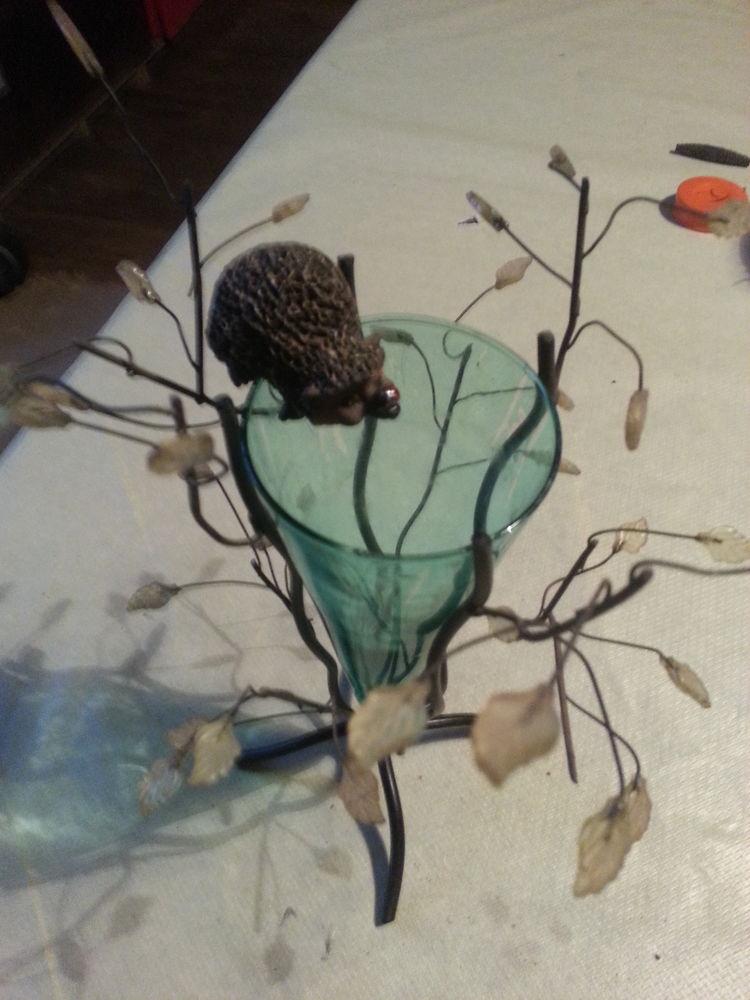 petit vase coloré soufflé sur trépied - Décoration