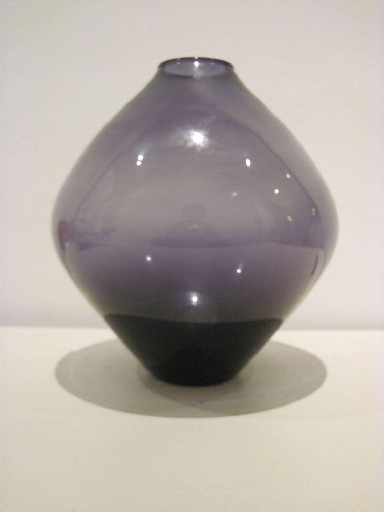 Petit vase mauve 15 Courbevoie (92)