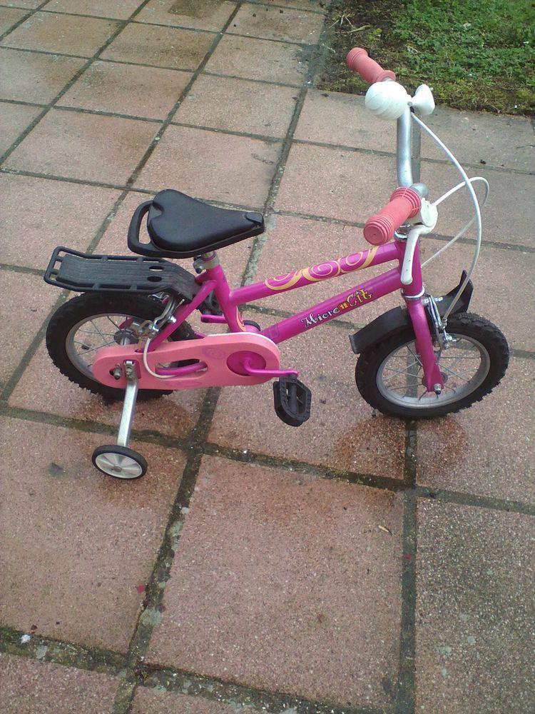 un petit vélo enfant 35 Bois-Bernard (62)