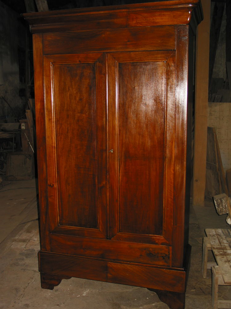 Petite armoire époque Louis Philippe noyer 2 portes 1 tiroir 200 Marseille 13 (13)