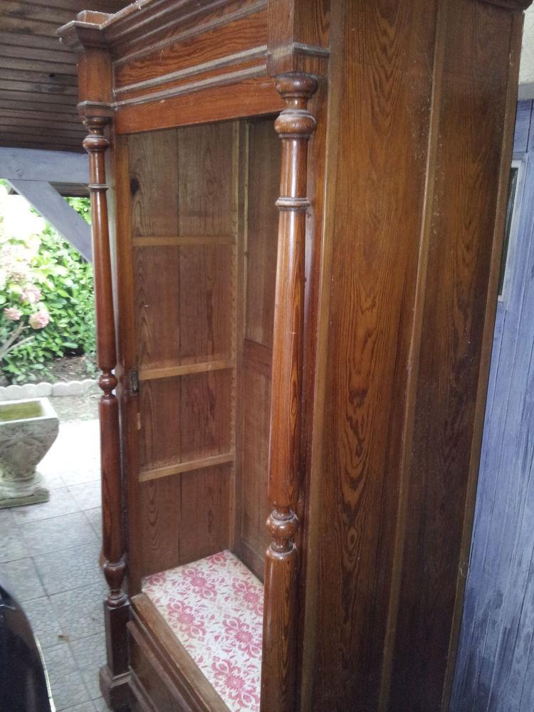 petite armoire en massif 80 Mont-de-Marsan (40)