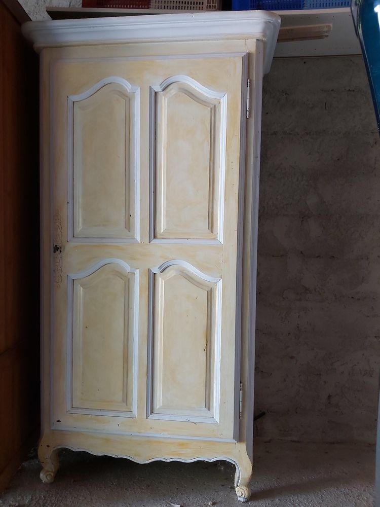 Petite armoire peinte style Louis XV 100 Sanary-sur-Mer (83)