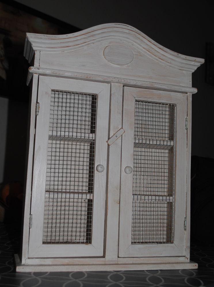 Petite armoire 10 Merville-Franceville-Plage (14)