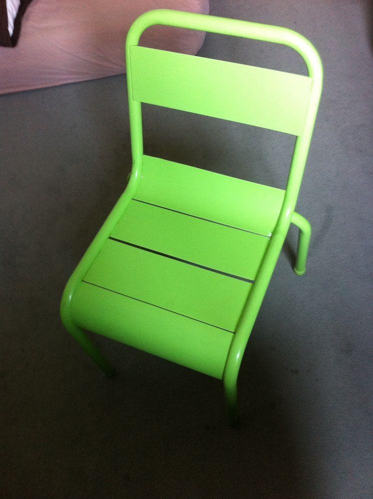 chaises enfants occasion montreuil 93 annonces achat. Black Bedroom Furniture Sets. Home Design Ideas