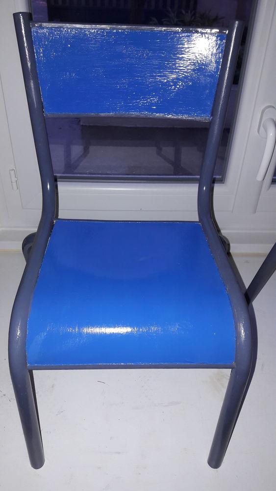 Petite chaise pour enfant, année 60/70 Meubles