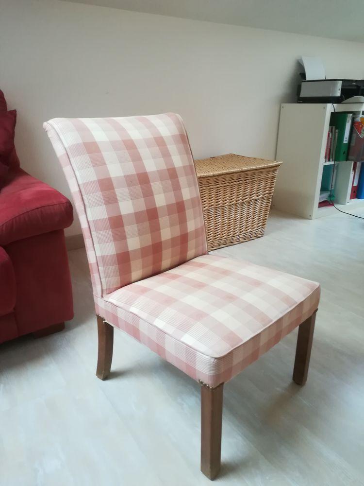 Petite chaise 30 Saint-Pierre-de-Lages (31)