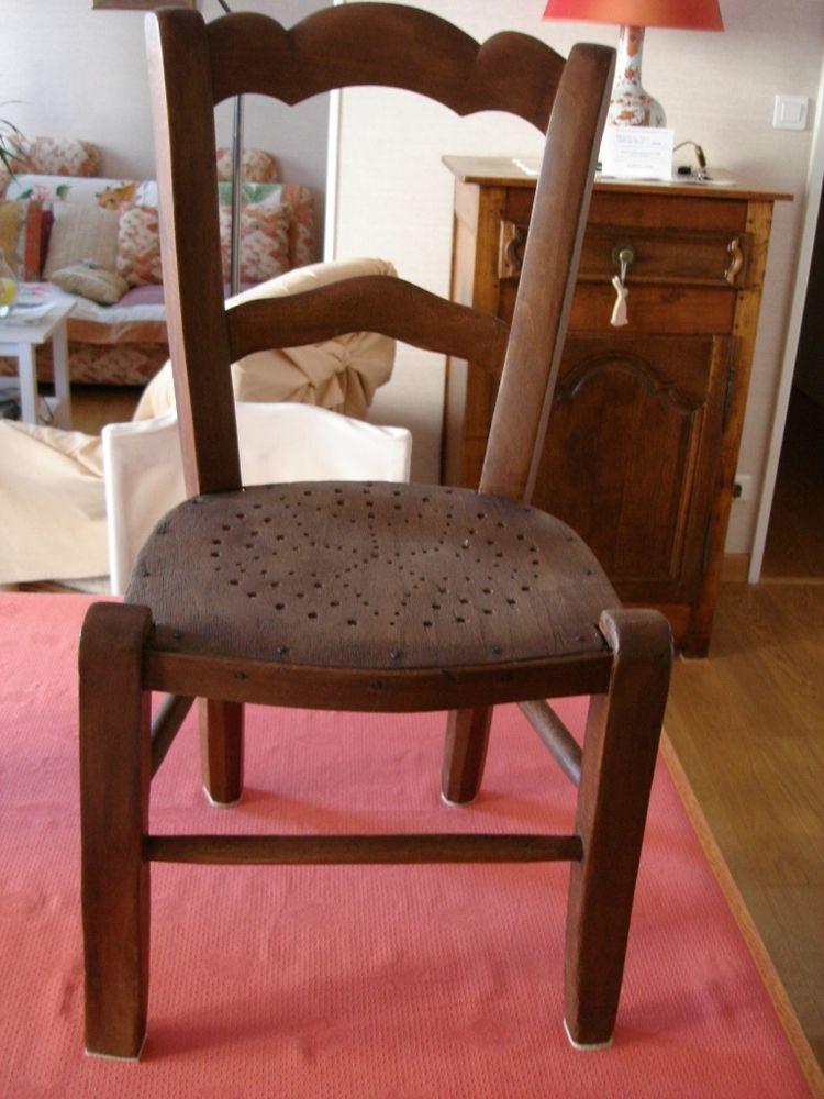 petite chaises en bois 50 Soissons (02)