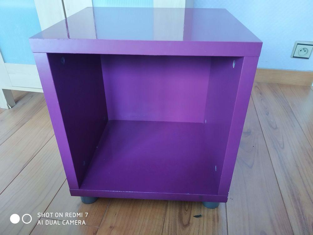 Petite étagère violette 8 Templemars (59)