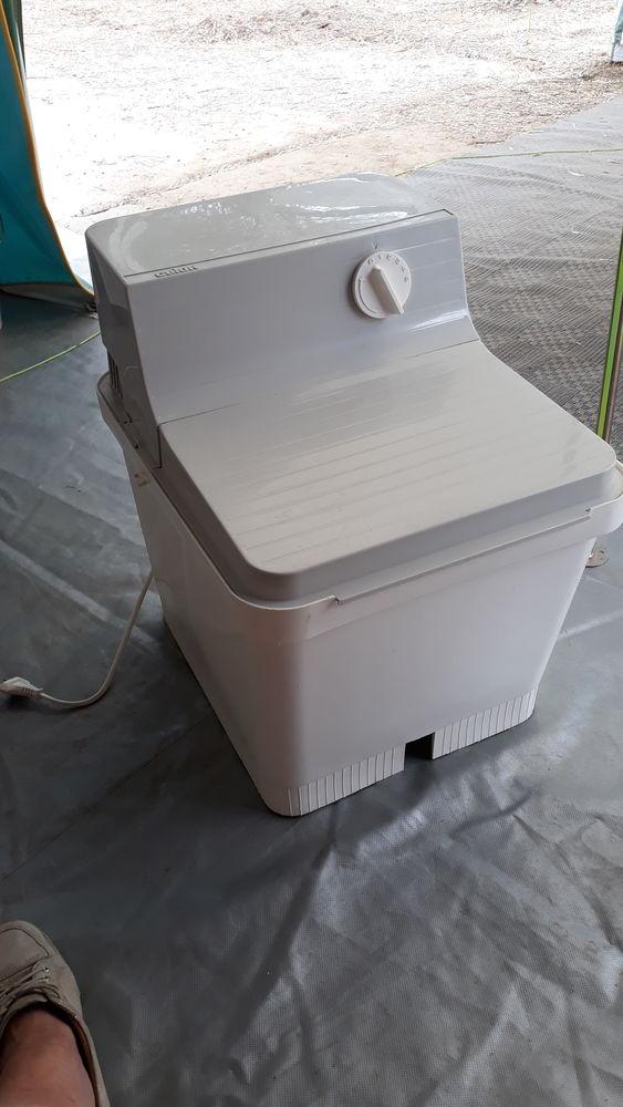Petite machine à laver Calor 40 Champagnole (39)