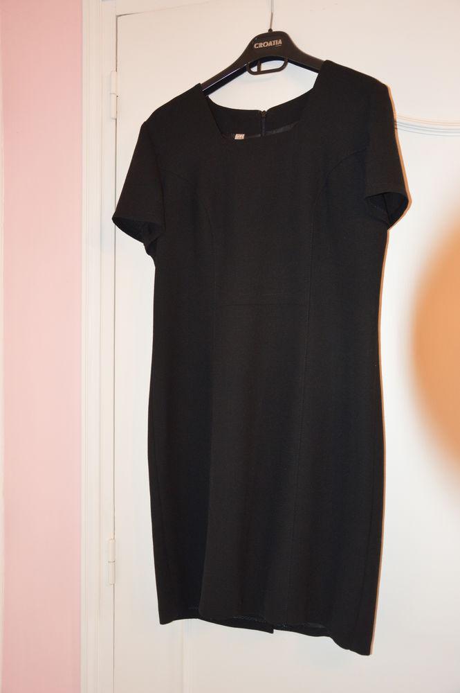 Petite robe noir classique 30 Pouzolles (34)