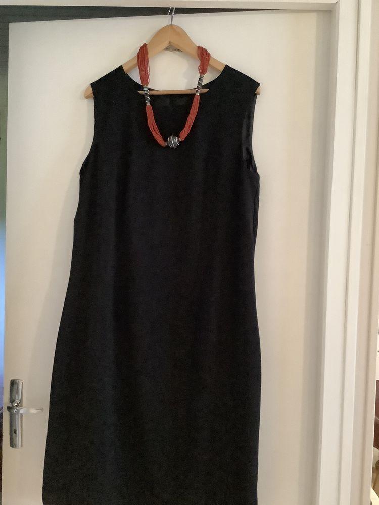 Ma petite robe noire  25 Sainte-Eulalie-en-Born (40)
