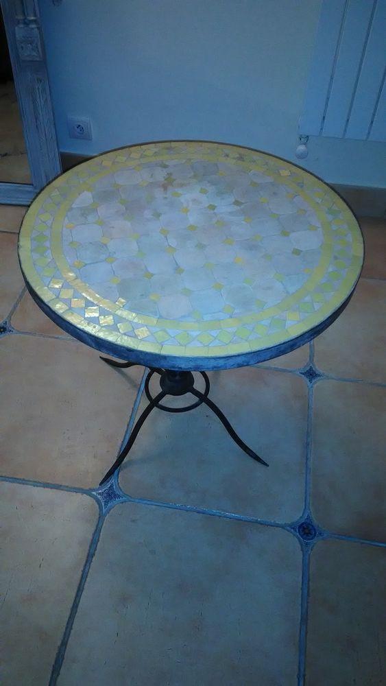 petite table basse fer forgé et céramique 200 Saint-Paul (06)