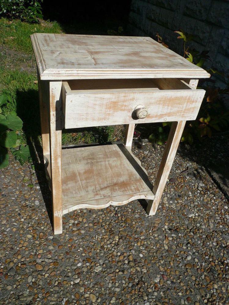 Petite table en bois lasurée blanc avec tiroir 50 La Rochelle (17)